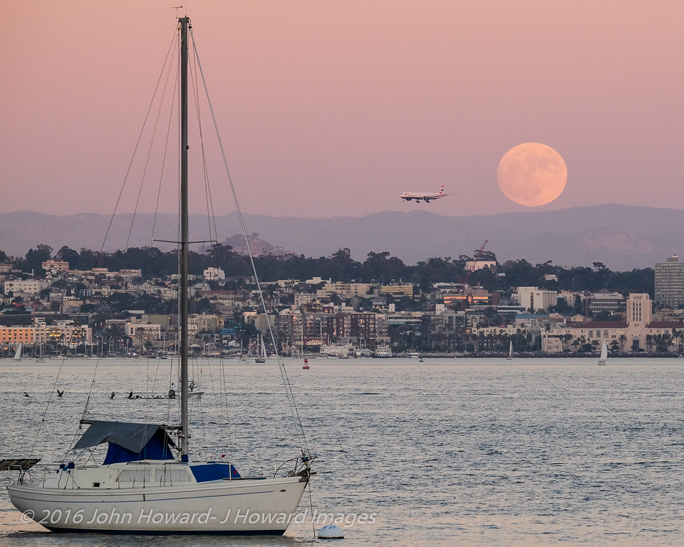 Supermoon, rise over San Diego Bay 11-13-16, 5:51pm