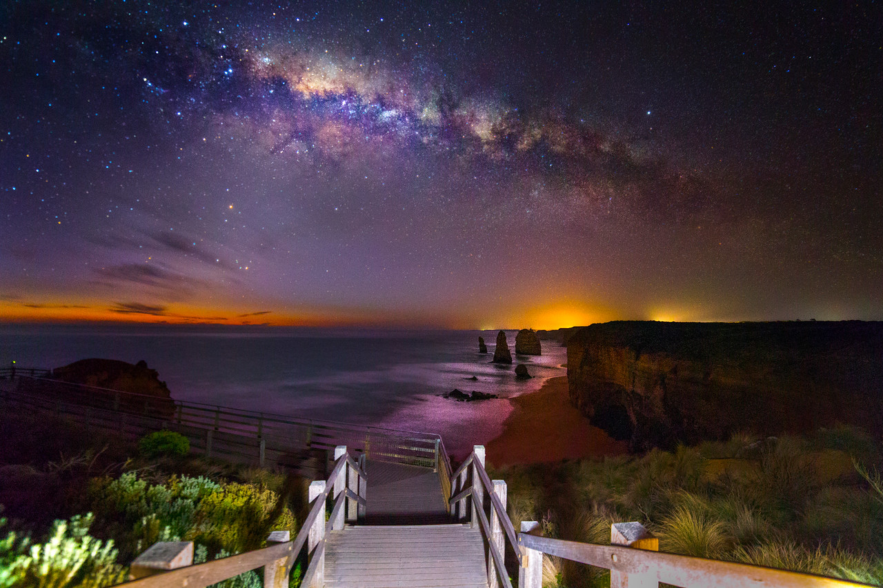 12 Apostles Steps Milky Way