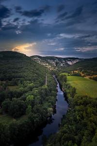 Crépuscule sur l'Aveyron