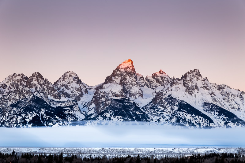 Sunrise over the Grand Teton Peak