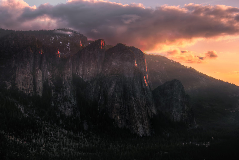 <a >Cathedral Rocks, Yosemite</a><a><br>Augen, 2013</a>