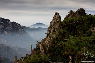 Mist and Clouds in Huangshan Mtns