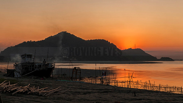 A4:Dusk sets in on the bank of Bramhaputra river in Guwahati