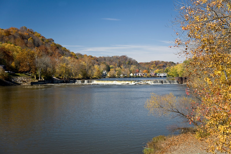 Autumn in Southern Ohio along the Muskingum River