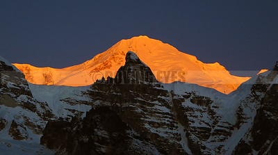 A27:First sunlight on Mt Kabru North as seen from Goecha la view point 1, on the Goecha la trek, West Sikkim