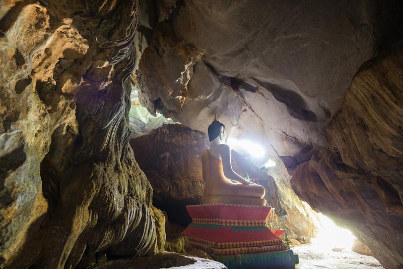 Tham Hoi Cave