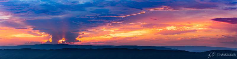 McAfee Knob || Catawba, Virginia, USA  Canon EOS 6D w/ EF70-200mm f/2.8L USM: 93mm @ ¹⁄₁₀₀ sec, f/9, ISO 400
