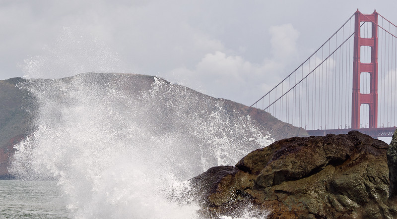 Wave at Golden Gate Bridge