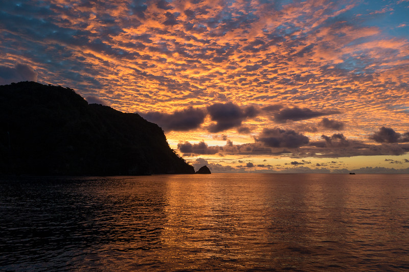Spectacular sunsets in the middle of the ocean