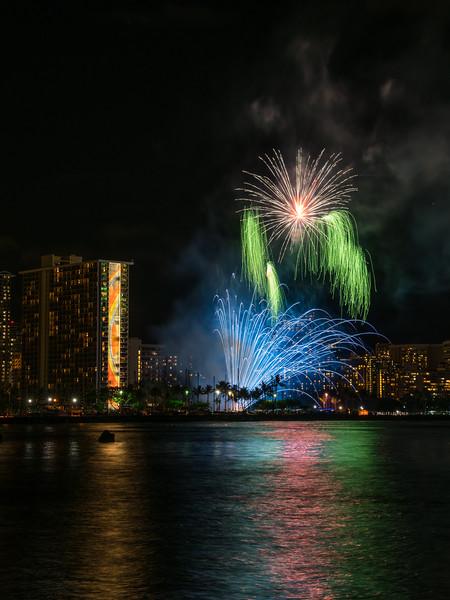 Pom-Pom Fireworks