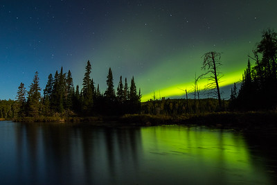 APRIL | Northern Lights, Gunflint Trail
