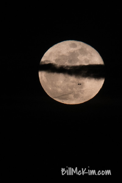 AIRPLANE! #SuperBlueBloodMoon-3