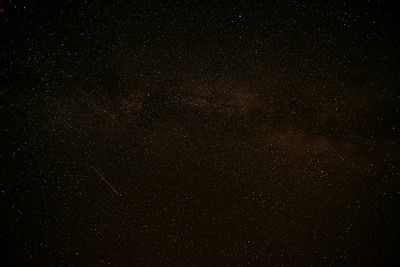 Shooting star in the Milky Way