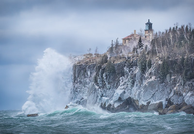 Crazy Waves on the April 14th storm at Split Rock Lighthouse!