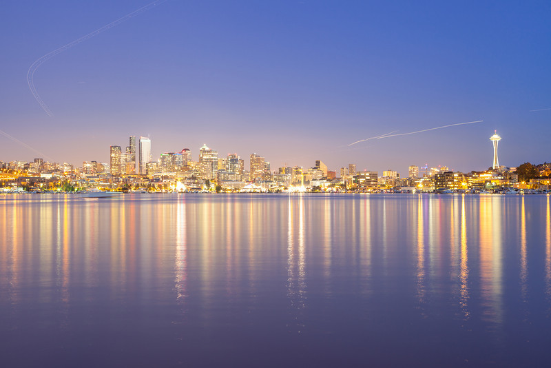 Busy night in the sky over Seattle