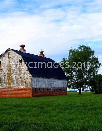 Barns, Farmland & Rustic Scenery