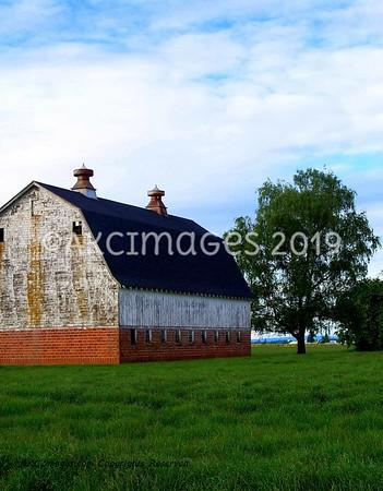 Barns, Farmland & Rustic Scenery