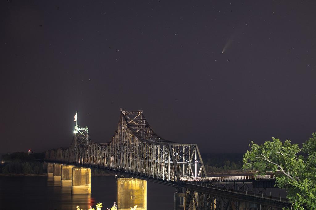 IMAGE: https://photos.smugmug.com/LandscapesNature/i-bJJQSSX/0/3e42cf99/XL/Comet%2007182020-9580-XL.jpg