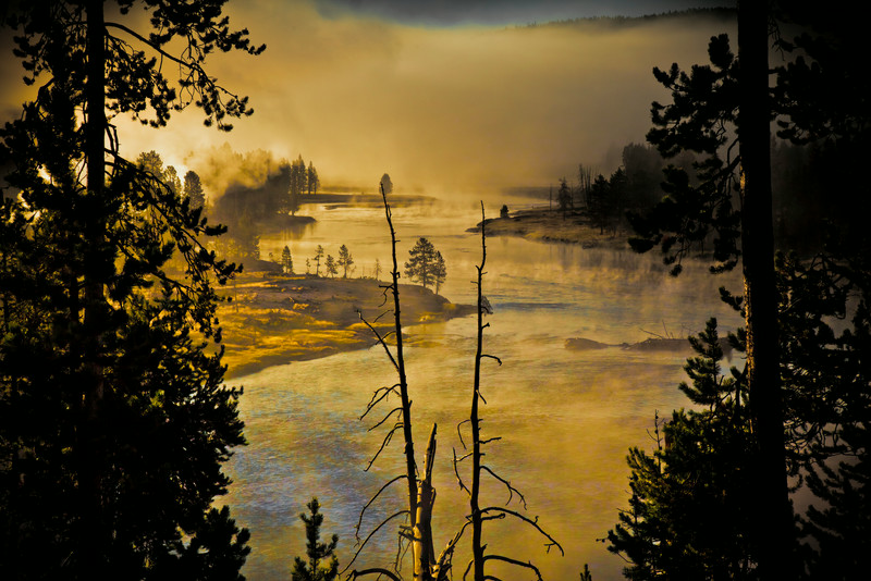 Yellowstone River, early morning with the fog lifting