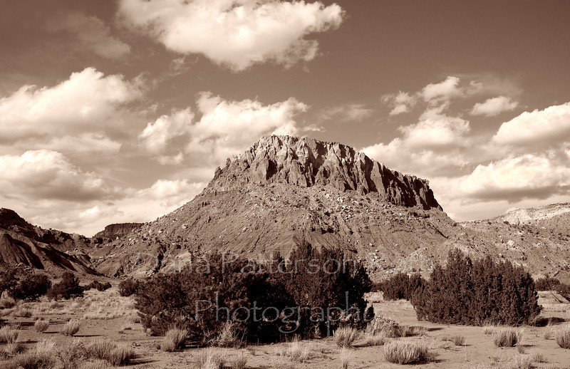 Hill north of Abiquiu