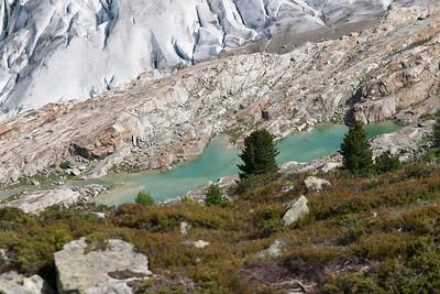 Kleiner Bergsee am Rande des Aletschgletscher