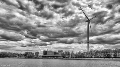 Industrie aan het Albertkanaal.