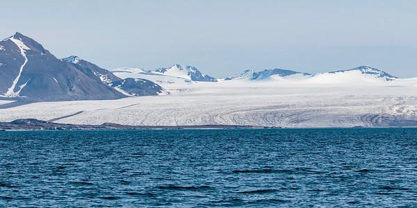 Bre/ Glacier Forlandssundet, Svalbard 8.7.2016 Canon 7D Mark II + Tamron 150 - 600 mm 5,0 - 6,3 @ 150 mm