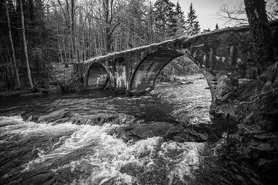 Betongbro, Åroselva