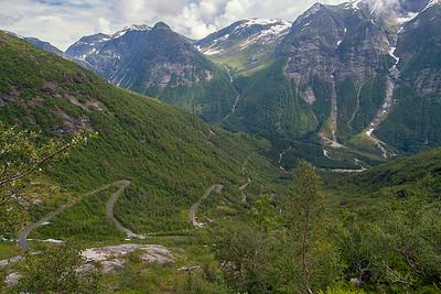 Vestlandslandskap Luster, Sogn og Fjordane 7.7.2009 Canon EOS 50D + EF 17-40 mm L @ 17 mm