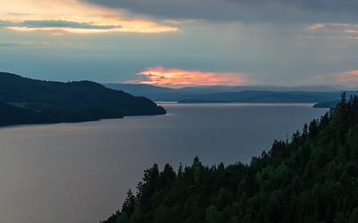 Holsfjorden-Tyrifjorden Holsfjorden, Lier 10.6.2018 Canon 5D Mark IV + EF 100mm f/2.8 Macro USM