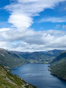 Fjordlandskap Røldal Røldal, Vestland 21.7.2020 Canon 5D Mark IV + EF 17-40mm f/4L USM @ 33 mm