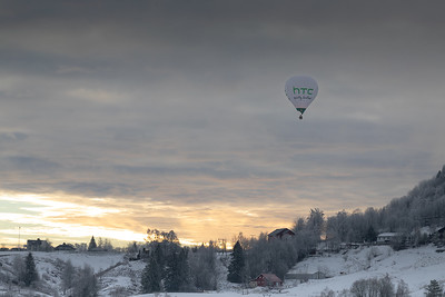 Ballong over Lier Lier, Buskerud 6.1.2019 Canon /5D Mark IV + EF 100mm f/2.8L Macro IS USM