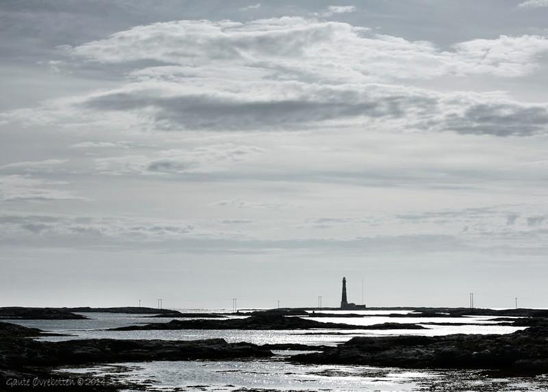 Havblikk ved Titran på Frøya. (Beacon near the hamlet of Titran on Frøya island)