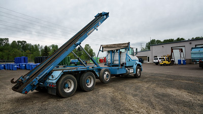 Freightliner Cascase Container Chain Roll Off