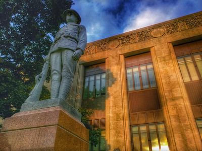 Clay County Courthouse - Protecting the Square
