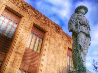 Clay County Courthouse - Standing Guard
