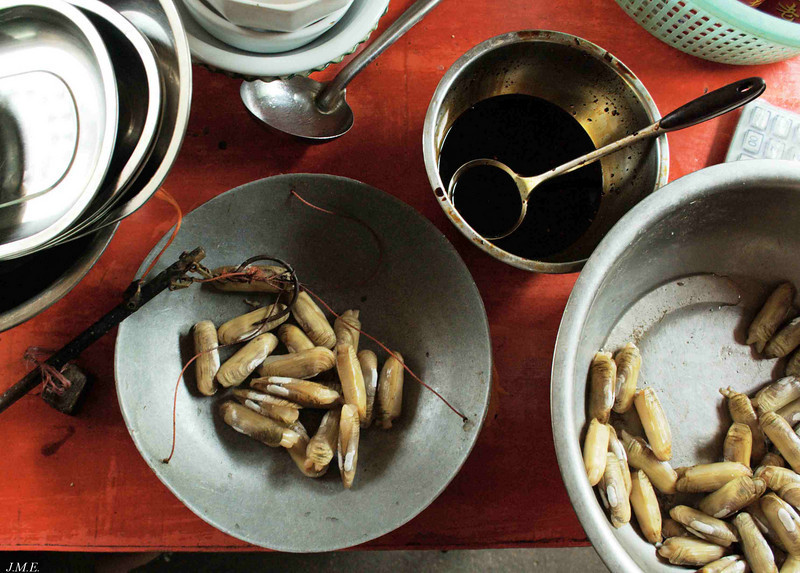 A meal of fresh razor clams may be ordered by weight at the local restaurants.