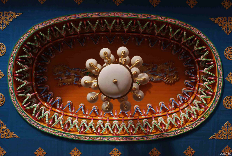 View of temple ceiling in Yun Long.