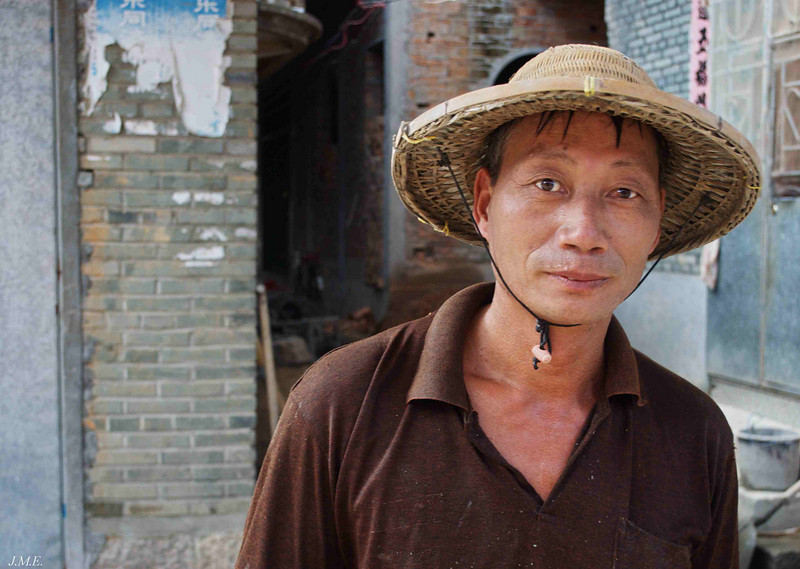 Construction worker in Langqi Town.