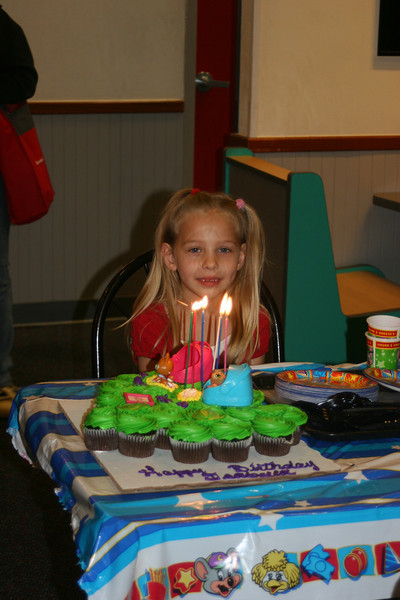 Isabella's 6th bday @ Chuck E Cheeses