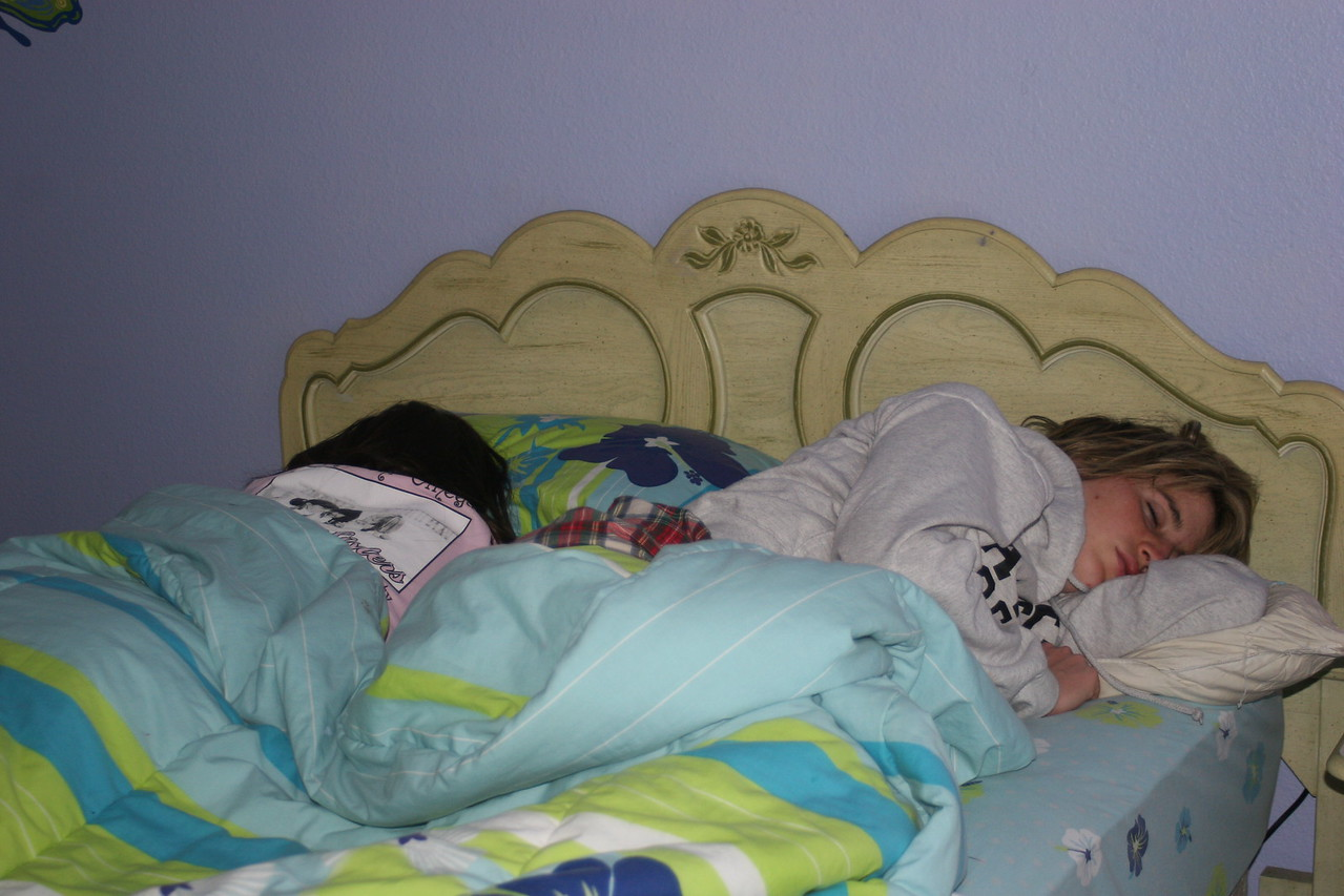 Whitney & Brooke crashed in Madison's room on their Girl wkd visit