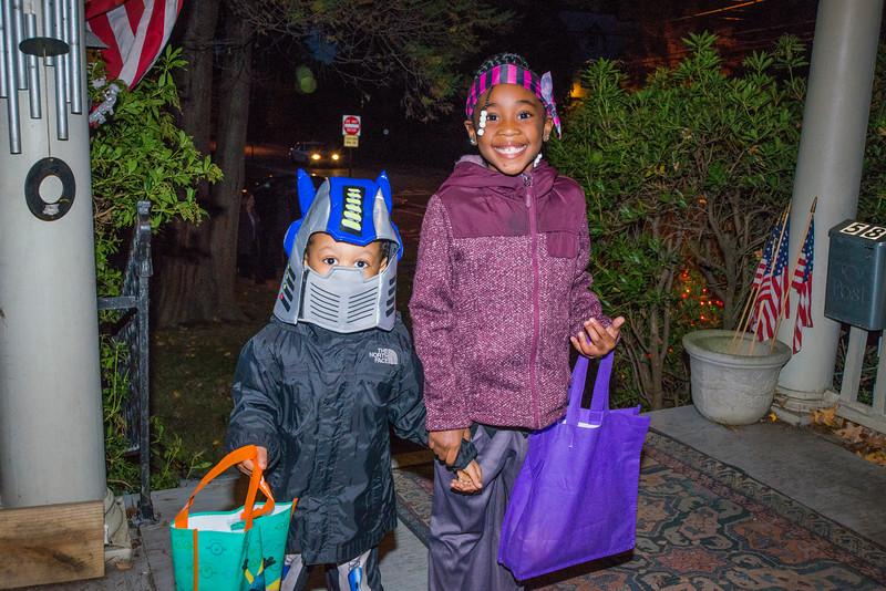 Halloween_2016_Greenwood_Av_012