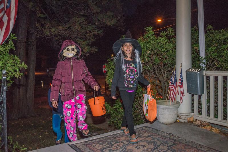 Halloween_2016_Greenwood_Av_029
