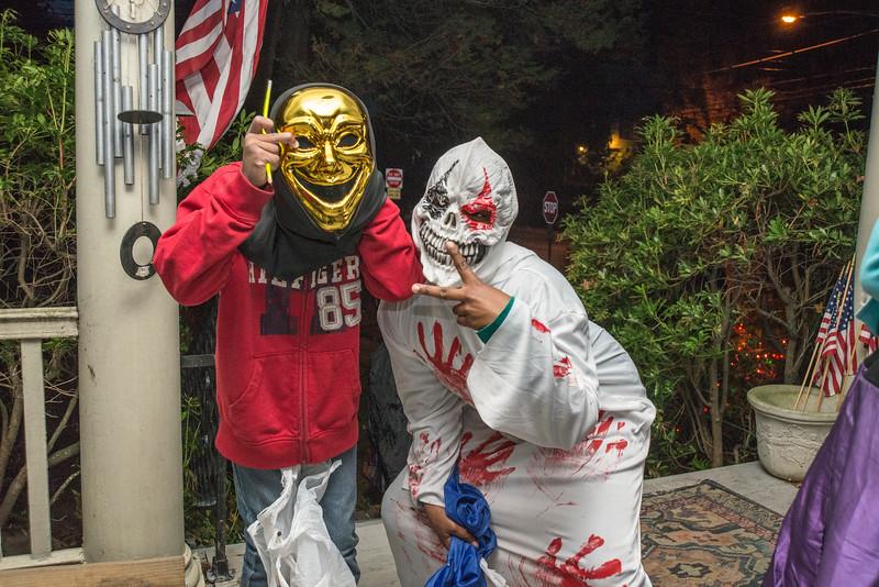 Halloween_2016_Greenwood_Av_020