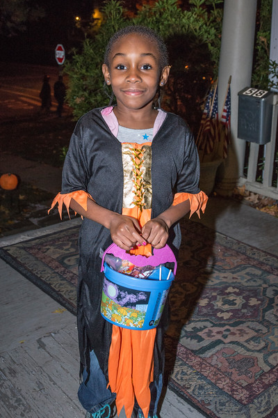 Halloween_2016_Greenwood_Av_025