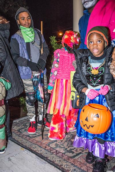 Halloween_2016_Greenwood_Av_113