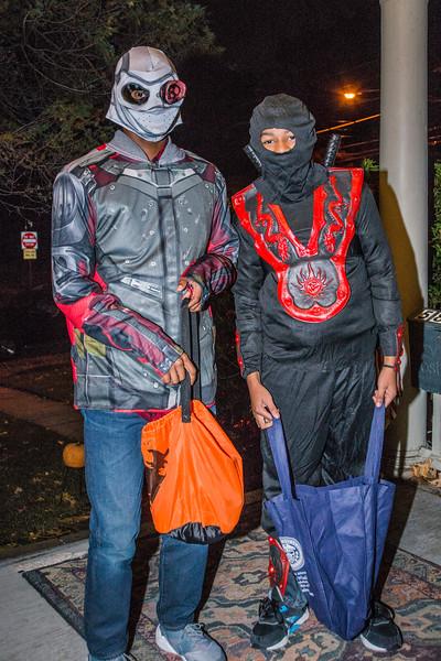 Halloween_2016_Greenwood_Av_078