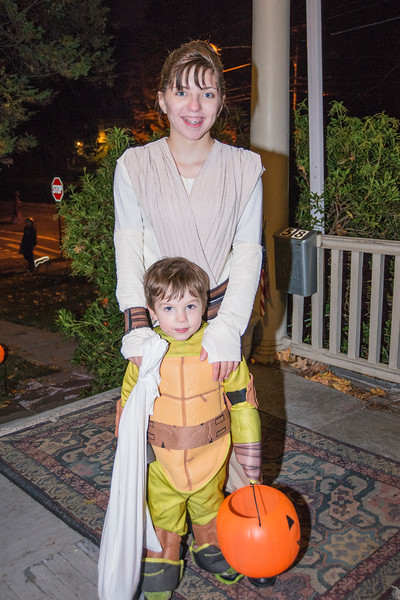 Halloween_2016_Greenwood_Av_150