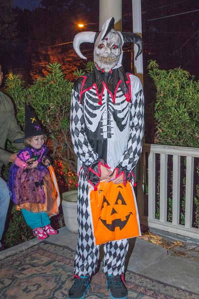 Halloween_2016_Greenwood_Av_023