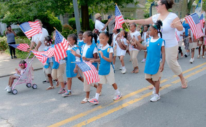 Memorial_Day_Parade_2011_28